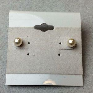 Jewelry - New Small Cream Ball Stud Earrings